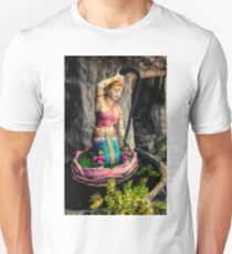 Temple Lady Statue Unisex T-Shirt