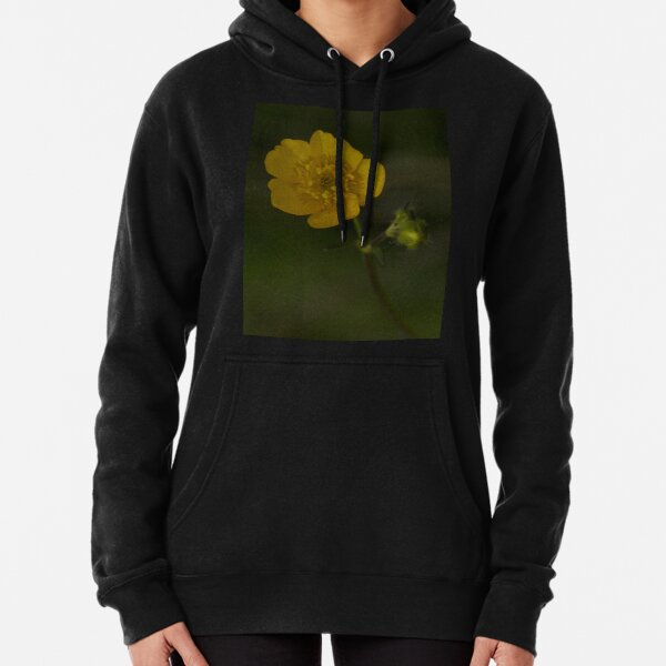 Meadow Buttercup - Burntollet Woods, County Derry Pullover Hoodie