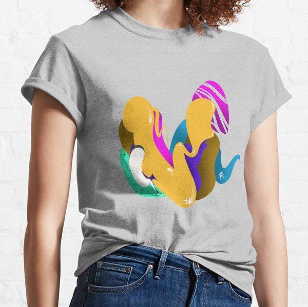 LETTER V Classic T-Shirt