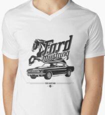 Ford Mustang 1967 Men's V-Neck T-Shirt