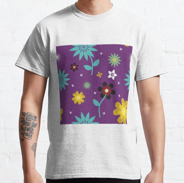 Floral pattern on purple background Classic T-Shirt