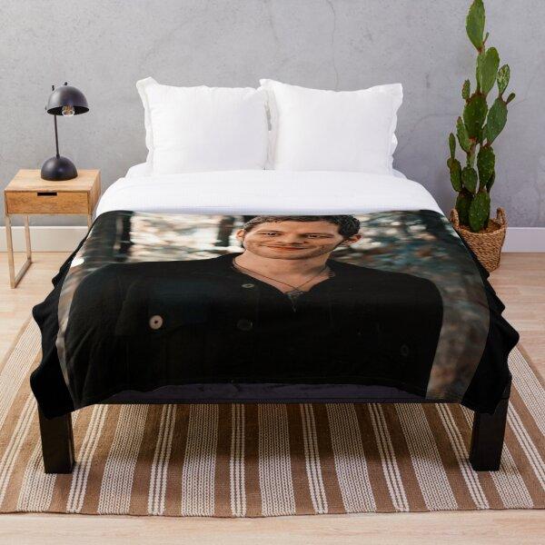 Klaus Mikaelson Throw Blanket