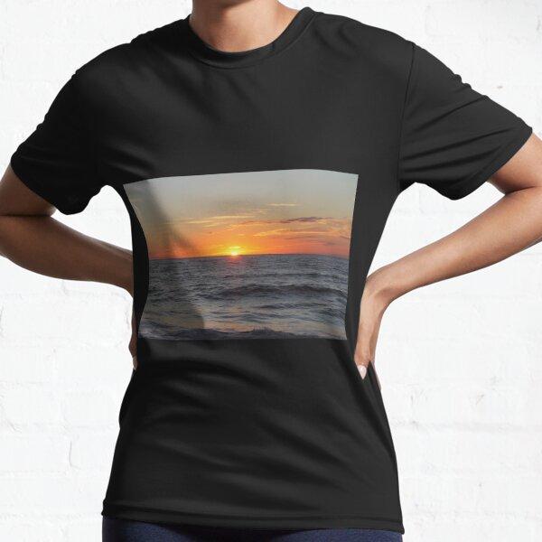 Horizon: Sun and Ocean Active T-Shirt