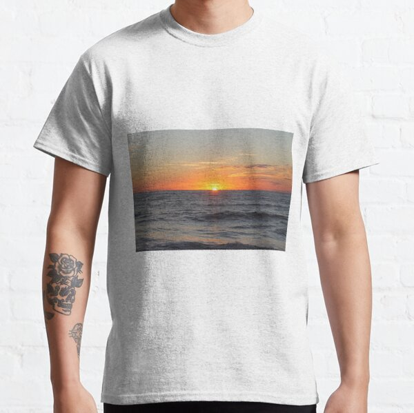 Horizon: Sun and Ocean Classic T-Shirt