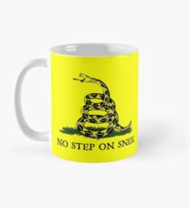 Kein Schritt auf Snek-Becher Tasse (Standard)