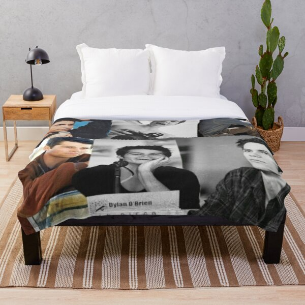 DYLAN COLLAGE Throw Blanket