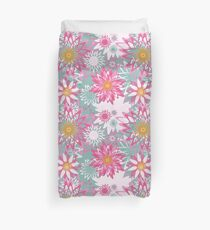 Graphical floral pattern Duvet Cover