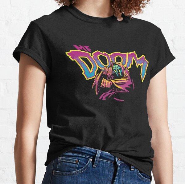 un hombre enmascarado llamado Doom Camiseta clásica