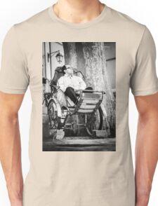 Pouss Pouss Man  Unisex T-Shirt