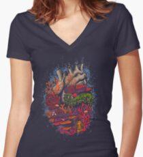 Herz des Meeres Tailliertes T-Shirt mit V-Ausschnitt