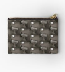 Wash your hands Studio Pouch