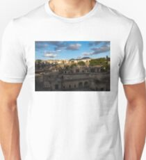 Herculaneum - the Old Town, the New Town and Mount Vesuvius Volcano Looming on Top Unisex T-Shirt