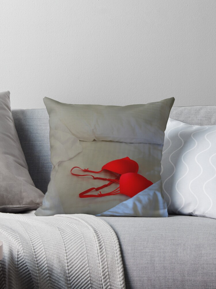 Red Throw Pillow For Bed :