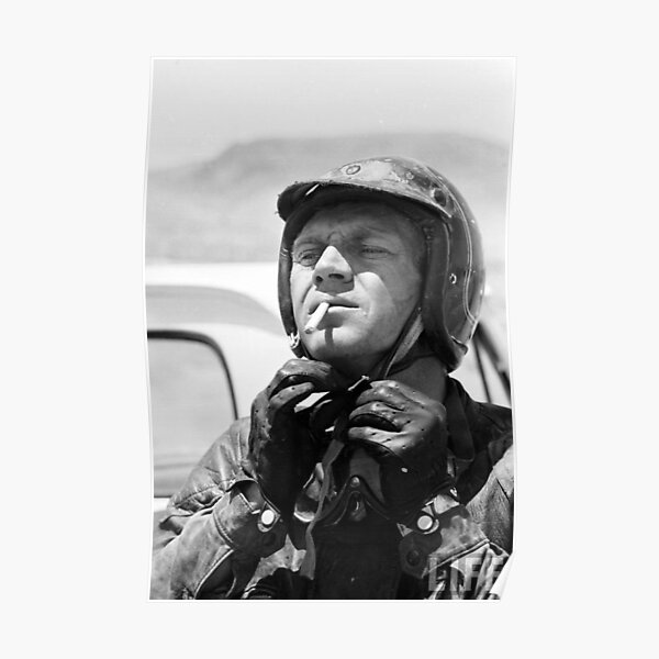 Steve McQueen trägt einen Helm Poster