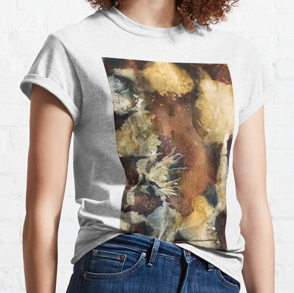 Rock pool with rocks and seaweed inspiration Classic T-Shirt