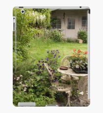 Disheveled little garden! iPad Case/Skin