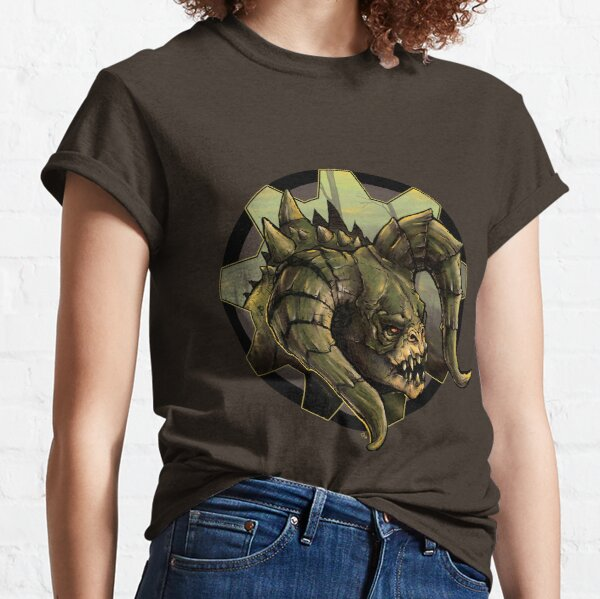 Deathclaw Wandering the Wastes Classic T-Shirt