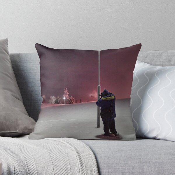 Under the pink and purple sky Throw Pillow