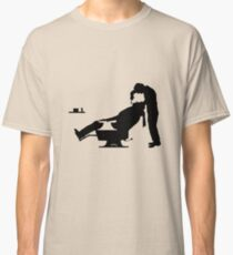 Shave now, relax Classic T-Shirt