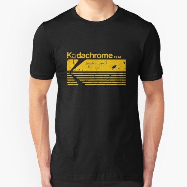 ¡pero no olvides! Demuestre su apego a la película con este elegante logotipo vintage Kodak Kodachrome. También en rojo: http://www.redbubble.com/people/brainsontoast/works/10246036-vintage-kodachrome También esté seguro Camiseta ajustada