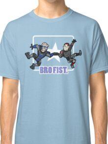 Bro's 4 life - Mass Effect Classic T-Shirt
