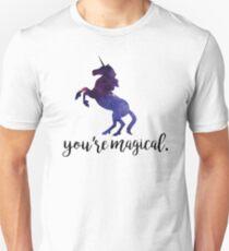 Eres mágico - Unicornio Camiseta ajustada