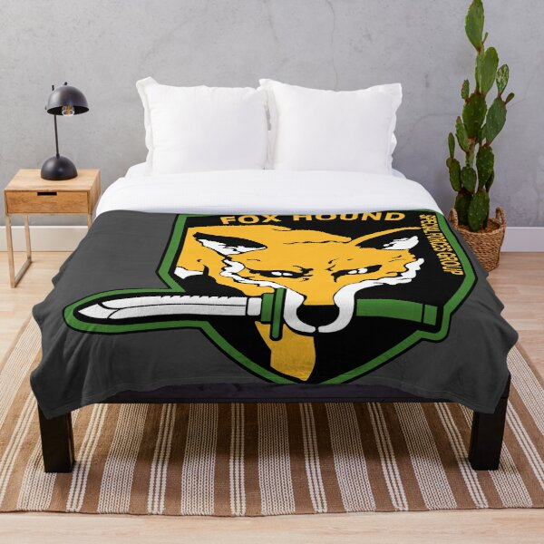 MGS -  Foxhound SFG Logo Throw Blanket