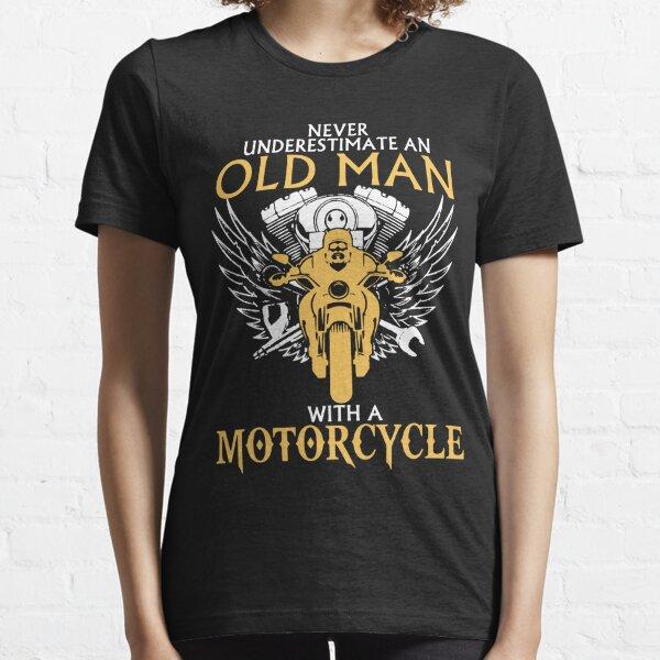 Ne jamais sous-estimer le vieil homme avec une moto T-shirt essentiel
