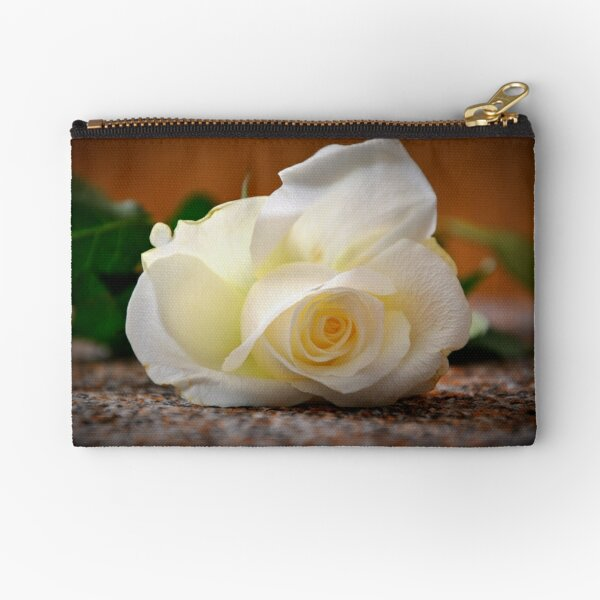 White rose Zipper Pouch