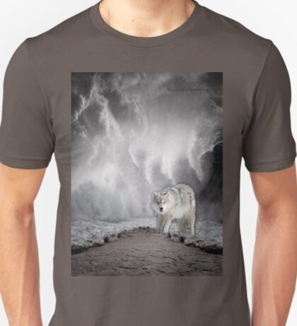 Wolf in the Middle of a Storm T-Shirt