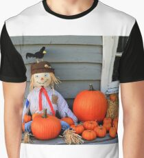 Scarecrow, orange pumpkins, black bird Thanksgiving symbols Graphic T-Shirt