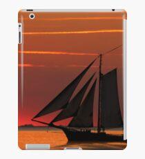 Oldtimer auf See iPad Case/Skin