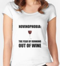 Novinophobia Wine Women's Fitted Scoop T-Shirt
