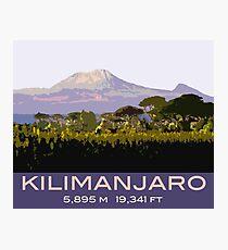 Kilimanjaro-Andenken-Entwurf, in der Weinlese-Reise-Plakat-Art Fotodruck
