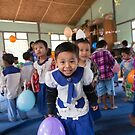 Preschoolers playing with Balloons in Myanmar by Clara Go (missatgerebut)