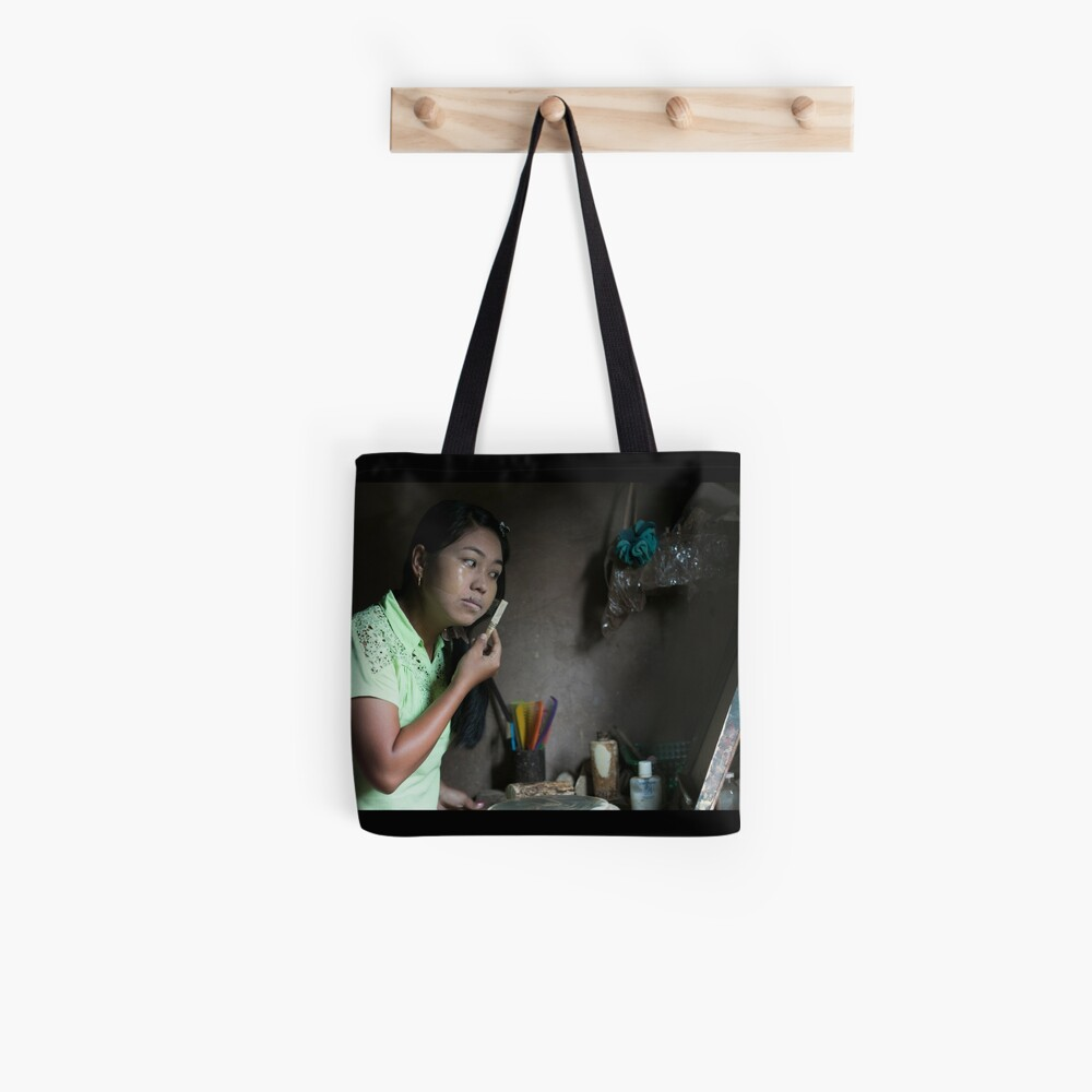 Each Morning ritual in every Myanmar House: Thanaka! Tote Bag