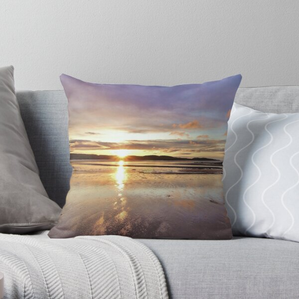 Winter sunrise at the Dhoon bay, Kirkcudbright Throw Pillow