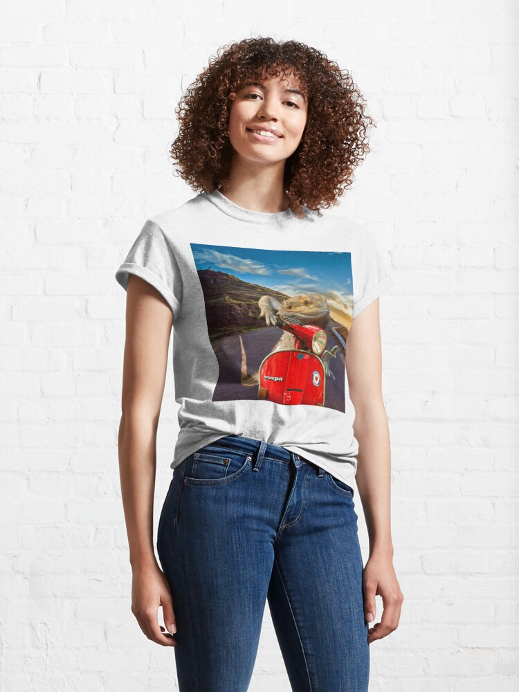 Alternate view of Bearded Dragon Sunset Vespa Roadtrip Classic T-Shirt