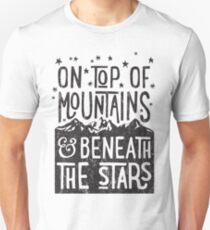 Camiseta unisex En la cima de las montañas