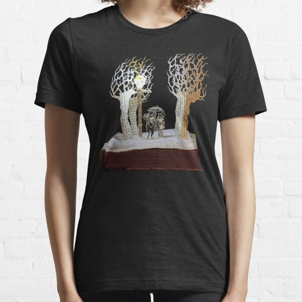 Tumnus and Lucy Narnia book sculpture Essential T-Shirt