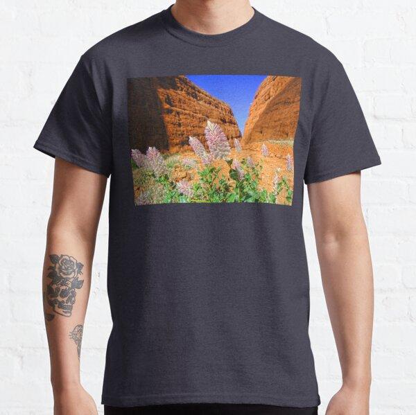 The Olgas Gorge. Uluru-Kata Tjuta National Park. Australia Classic T-Shirt