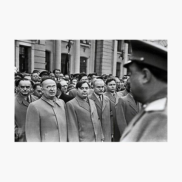 Л. П. Берия смотрит на стоящего напротив В. С. Абакумова. Москва, Белорусский вокзал, 1 сентября 1948 года Фото: Андрей Новиков / Фотоархив журнала «Огонёк» Photographic Print
