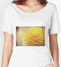 Macro Petals Women's Relaxed Fit T-Shirt