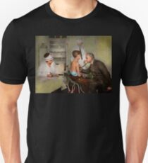 Doctor - At the pediatricians office 1925 Unisex T-Shirt