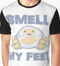 Cute Yeti Funny Smell My Feet Graphic T-Shirt