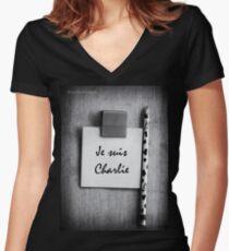 Je suis Charlie - CHARLIE HEBDO - #jesuisCharlie - #marcherepublicaine - #marchedelarepublique Women's Fitted V-Neck T-Shirt