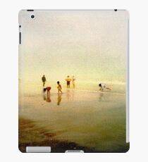 Ten People on A Beach iPad Case/Skin