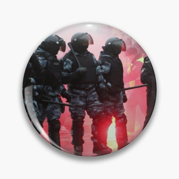 Riot: В Москве, Санкт-Петербурге, Красноярске, Владивостоке и других городах полиция и Росгвардия применили силу. Pin
