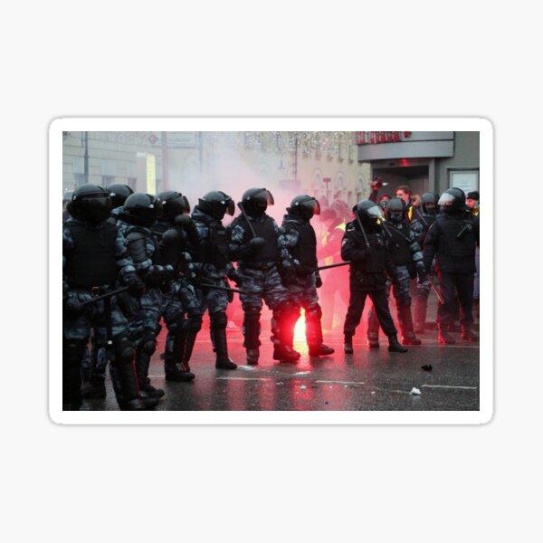 Riot: В Москве, Санкт-Петербурге, Красноярске, Владивостоке и других городах полиция и Росгвардия применили силу. Sticker