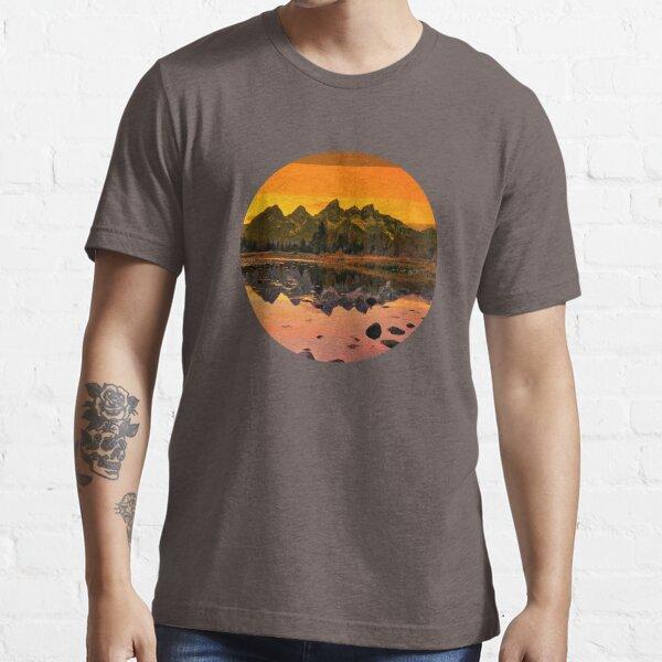 suntan mountains Essential T-Shirt